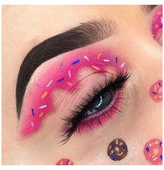 Edgy Makeup, Makeup Eye Looks, Eye Makeup Art, Eyeshadow Makeup, Eyeliner, Crazy Eye Makeup, Crazy Eyeshadow, Disney Eye Makeup, Gothic Makeup