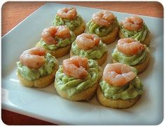 I like this idea, but would use boiled egg whites filled with hummus, then the shrimp on top. Finger Food Appetizers, Appetizers For Party, Finger Foods, Appetizer Recipes, Snack Recipes, Cooking Recipes, Appetizer Sandwiches, Food Porn, Snacks