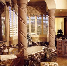 Now here is a Tuscany bath to die for. Wish, wish,wish