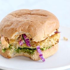 Paleo meals 452611831301055395 - Recipe for Spicy Cauliflower Burgers with avocado sauce, cilantro lime slaw, and chipotle mayo! Meatless, filling, and delicious! Cauliflower Burger, Spicy Cauliflower, Cauliflower Recipes, Quinoa Veggie Burger, Spicy Recipes, Veggie Recipes, Vegetarian Recipes, Cooking Recipes, Healthy Recipes