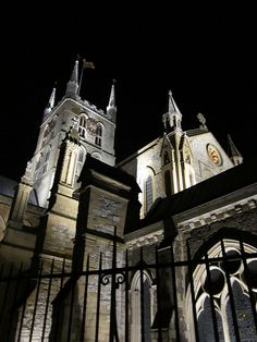 Cathedral and Collegiate Church of St Saviour and St Mary Overie. Diocese of Southwark. Southwark Cathedral, Canterbury Cathedral, Hidden London, Real Castles, London Icons, London United Kingdom, Church Of England, Church Architecture, Church Building