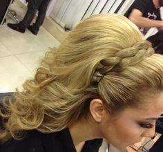 prom hair styles-just less poof! Elegant Hairstyles, Pretty Hairstyles, Wedding Hairstyles, Big Hair Dont Care, Love Hair, Hair Dos, Prom Hair, Hair Hacks, Bridal Hair