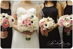 blush pink and navy blue wedding bouquet, flowers by art with nature Photo by Sweet Monday Photography www.sweetmondayphotography.com
