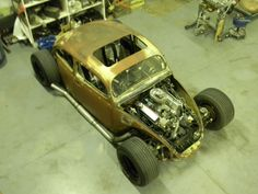 Volkswagen : Beetle - Classic Rat Rod Racer. One of few Beetle's I would have.