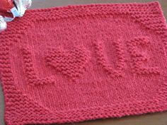 Another Valentine's Day inspired cloth! This one would be perfect for gifting. Mine is going to my daughter's daycare teacher! =) Happy ...