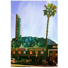 """Wow, this Pic I took of the #Hollywood #GuinessWorldRecords #Museum turned out #Cool:)   Here's some #Trivia, #ESAudio #RecordingStudio has had the #Guiness World's Fastest #Rapper """"#NoClue"""" in the House! haha:)  According to #Wiki, #RickyBrown can #Rap 852 Syllables in 42 Seconds!:)  Pretty Cray, right?!:)   #Rock On!:)   Pic: #JamminJo 2016"""