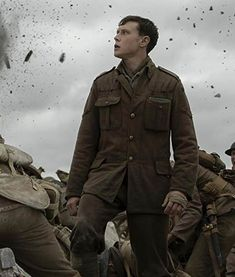 Get Military look by wearing this Lance Corporal Schofield 1917 George MacKay Jacket. Movies To Watch List, Go To Movies, Movies And Tv Shows, George Mackay, Actors Male, Hot Actors, Lance Corporal, Im Falling In Love, War Film