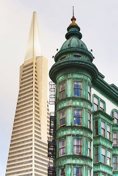 Columbus Tower & Transamerica Pyramid, North Beach