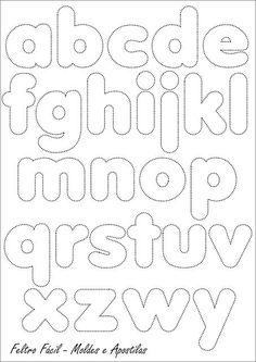 """""""...algumas letras podem estar fora da sequencia correta mas foi proposital pois no momento da edição procuramos ajustar os espaços para que todo o alfabeto pudesse caber na mesma folha."""" Achei no Feltro Fácil:"""