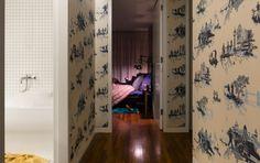 Couloir qui mène vers la seule et unique chambre de ce loft