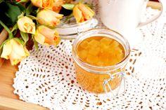 Imbir w syropie to idealny dodatek do herbaty podczas tych coraz zimniejszych dni. Rozgrzewa i pomaga przy przeziębieniu.
