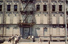 285 Brook Ave., 1980 - 10 Photos of the Bombed-Out Bronx from the Early Days of Rap | Complex UK