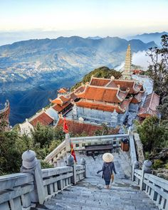 A Guide to Trekking in Sapa, Vietnam – Wandering Wheatleys Southeast Asia Travel Vietnam Voyage, Vietnam Travel, Asia Travel, Sa Pa Vietnam, North Vietnam, Places To Travel, Travel Destinations, Places To Visit, Travel Diys