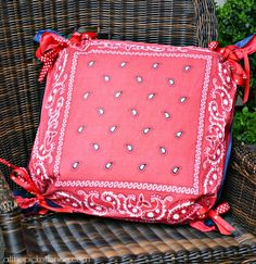 fourth of July front porch pillows www.atthepicketfence.com
