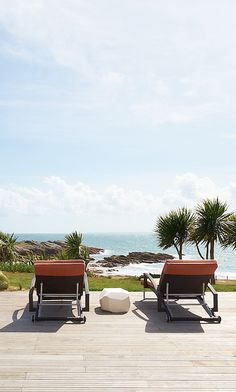 At the tip of Brittany's Quiberon Peninsula, this sleek spa hotel pays homage to Breton tradition and the Atlantic Ocean it overlooks.