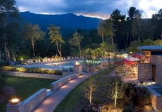 The Topnotch Resort in #Stowe VT has an appropriate name, given the mountain location and renowned quality of the inn! http://www.visitingnewengland.com/hotelinfo/25324.html