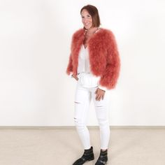 The EYES ON MISHA hand made feather jackets, boleros handbags and accessories, super fluffy and easy to combine, are ideal to elevate every of your fashion looks. Feather Fashion, Fur Fashion, Fashion Looks, Bolero Jacket, Burnt Orange, Making Out, White Jeans, Shoulder Bag, Eyes