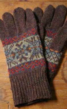 Wilma Malcolmson gloves - I wouldn't knit gloves but these would be lovely as mittens