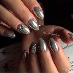 Beautiful evening nails, Evening dress nails, Evening nails, Extraordinary nails, Festive nails, Luxurious nails, Mirror nails, Nails with liquid stones