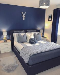 Blue Master Bedroom, Blue Bedroom Walls, Blue Bedroom Decor, Room Ideas Bedroom, Home Bedroom, Navy Blue Bedrooms, Grey Bedroom Colors, Night Bedroom, Grey Walls