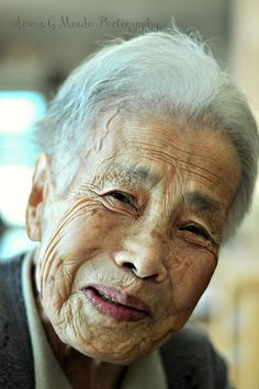 SMILE for You elderly people, faces with wrinkles, old Eric Lafforgue, Smile Face, Make Me Smile, Beautiful Smile, Beautiful People, Old Faces, Steve Mccurry, Ageless Beauty, Pictures Of People
