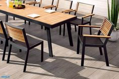 Outdoor Tables, Outdoor Decor, Tiny House, Outdoor Furniture Sets, Home Decor, Homemade Home Decor, Interior Design, Home Interiors, Decoration Home