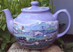 Purple Mosaic Sadler Teapot by Lensia Mosaic Art, Mosaic Glass, Mosaic Bottles, Coffee Cups, Tea Cups, Color Lavanda, Teapots Unique, Tea Pot Set, Teapots And Cups