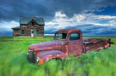 Old truck, old house, Leader, Saskatchewan, agriculture, abandoned, Canada photo picture on VisualizeUs