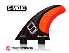 Las quillas S-MOJO Stealth de Shapers están diseñadas para todo tipo de condiciones y olas. Las quillas MOJO ofrecen un rendimiento elevado para surfistas potentes y radicales. Su ancha base facilita una rápida aceleración y control sin perder potencia ni fuerza en los giros y snaps. Son unas quillas con unas dimensiones muy equilibradas.Una buena opción para surfistas de peso superior a 85Kgs. Talla M-L.Medidas:Base: 115mmDepth: 116mmFoil: inner foilSweep: 34º gradosEste producto ...