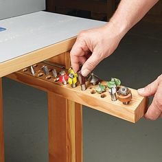 Router Bit Storage Tray: All the router bits you need close at hand but out of the way — this tip is a keeper. Garage Tool Storage, Workshop Storage, Garage Tools, Storage Rack, Diy Workshop, Easy Woodworking Projects, Woodworking Jigs, Woodworking Furniture, Wood Projects