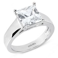 Omg, a solitare I like! Too pretty. I love the thick band. It makes the ring.