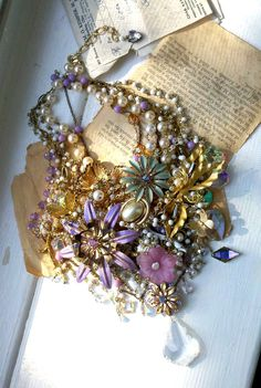 Vintage Brooches Hand-Painted Flowers Filigree Swarovski Crystal Rhinestone Statement Collar Necklace
