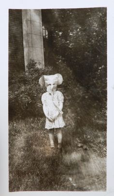 "Vintage halloween - ""The head of the herd was calling far far away"" Old Halloween Costumes, Vintage Halloween Photos, Hallowen Costume, Halloween Pictures, Creepy Halloween, Vintage Photos, Scary Costumes, Creepy Old Photos, Creepy Pictures"