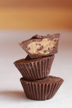 This is a fantastic idea, putting chocolate chip cookie dough inside of a chocolate cup coating. No baking needed, and you're getting a lot of nutritional support from the nuts it contains, both from the cashews and pecans. Use dark chocolate to benefit from the antioxidants, and you'll get even more benefit from these yummy cups.