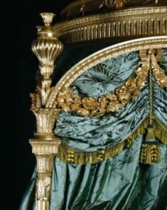 ♜ Shabby Castle Chic ♜ rich and gorgeous home decor - Thomas Chippendale State Bed (detail) at Harewood House built for Edwin, Viscount Lascelles. Bed Drapes, Silk Drapes, Curtains, Harewood House, Damask Bedding, Old World Charm, Architecture Details, Wood Carving, Antique Furniture
