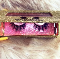 Perfect for deep set eyes. Deep Set Eyes, Mac Makeup, Retail Therapy, Black Laces, Eyelashes, Night Out, Nightlife, Lipstick, Stylists