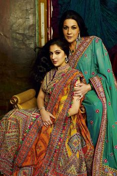 Amrita Singh with Sara Ali Khan wearing designs by Abu Jani-Sandeep Khosla
