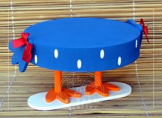 Cute Crafts, Diy And Crafts, Lottie Dottie, Blue Chicken, Bird Birthday Parties, Cake And Cupcake Stand, Fake Cake, Farm Party, Ideas Para Fiestas