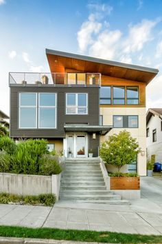 Ballard Remodel - Modern - Exterior - Seattle - by grouparchitect Rustic Exterior, Modern Exterior, Exterior Colors, Exterior Design, House Siding, Facade House, Small Space Interior Design, Modern Contemporary Homes, Contemporary Bedroom