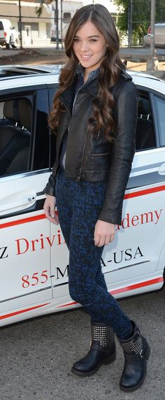 Hailee Steinfeld. I love her style so much<3<3<3