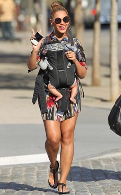 Beyonce and Blue Ivy are such a sunny pair strolling through Central Park!