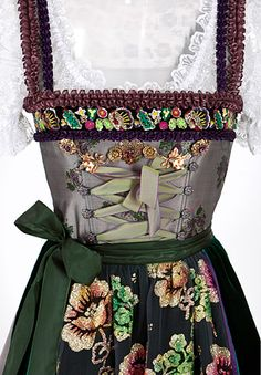 Tracht ~Lola Paltinger. Repinned by www.mygrowingtraditions.com