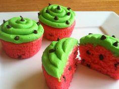 Receta de Cupcakes de Sandía que puedes preparar con los niños. Originales y divertidos cupcakes que a todo mundo encantará