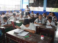 EL UNIVERSAL PERU: La queja de los egresados del colegio