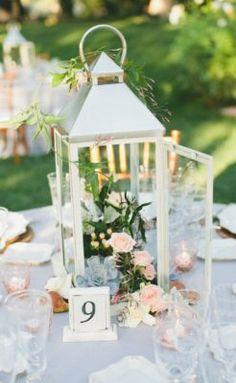Wedding Reception Centerpiece Inspiration - Photo: Onelove Photography