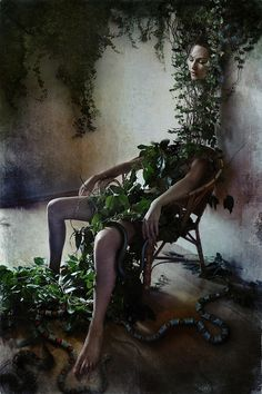 Creepy Photo Manipulations by Diana Dihaze- this very interesting piece almost hints at eve the snakes and vines that create weave around the girl disjointing her is quite interesting. The right amount of beauty to offset the very creepy vibe. Surrealism Photography, Conceptual Photography, Art Photography, Creepy Photography, Inspiring Photography, Photography Editing, Photography Tutorials, Creative Photography, Digital Photography