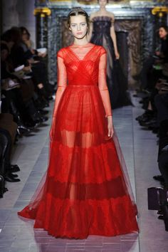 Valentino Spring 2013 Couture Runway - Valentino Haute Couture Collection - ELLE#slide-1