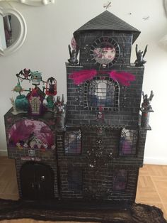Cardboard Monster high dollhouse Ségolène