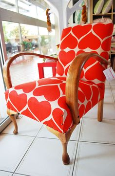 amazing chair ~ i would love to have this in my living room!