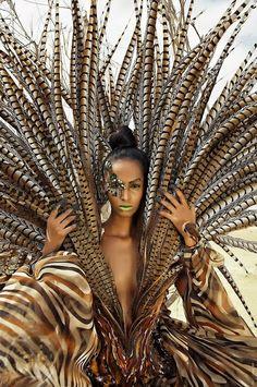 Plume Fashion Fantasy, K Fashion, African Fashion, Fashion Design, High Fashion Models, African Style, Desert Fashion, Fashion News, Fashion Beauty
